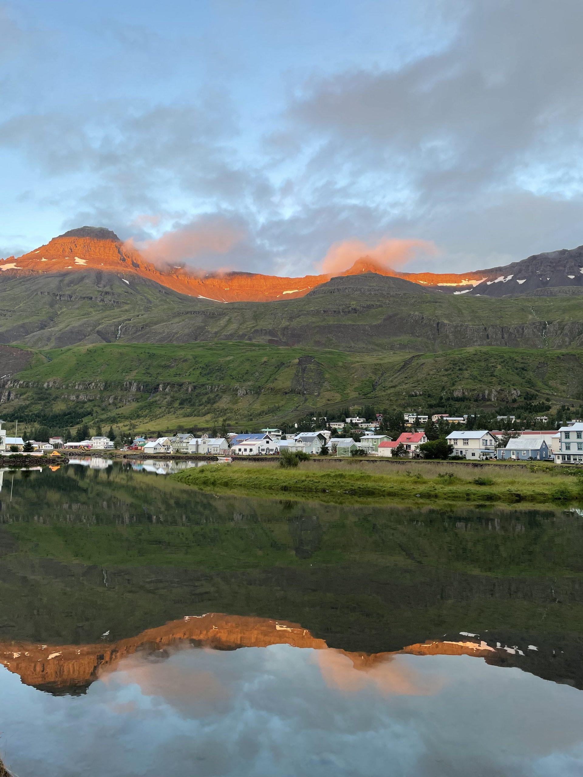 tramonto a Seyðisfjörður